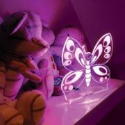 Aloka SleepyLight natlampe med fjernbetjening – sommerfugl natbord